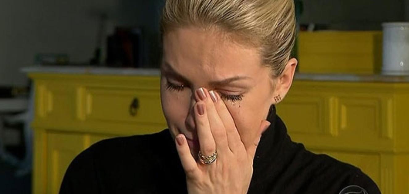 Ana Hickmann comove com despedida ao pai - Foto/Divulgação
